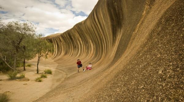 Wave Rock, couple on rock, photo